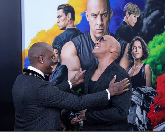 В 2017 году Вин Дизель (на фото справа) занял третье место в списке самых дорогих актеров мира. Звезда «Форсажа» заработал за год $55 млн