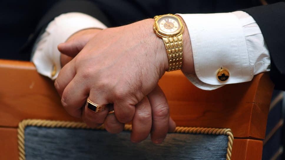 Российские миллионеры упали числом и богатством