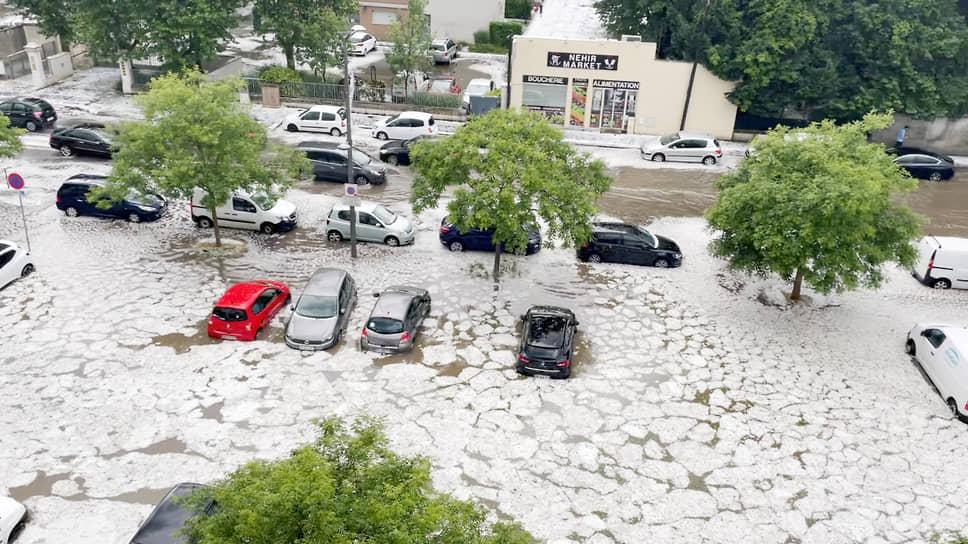 Лион, Франция. Последствия града и шторма