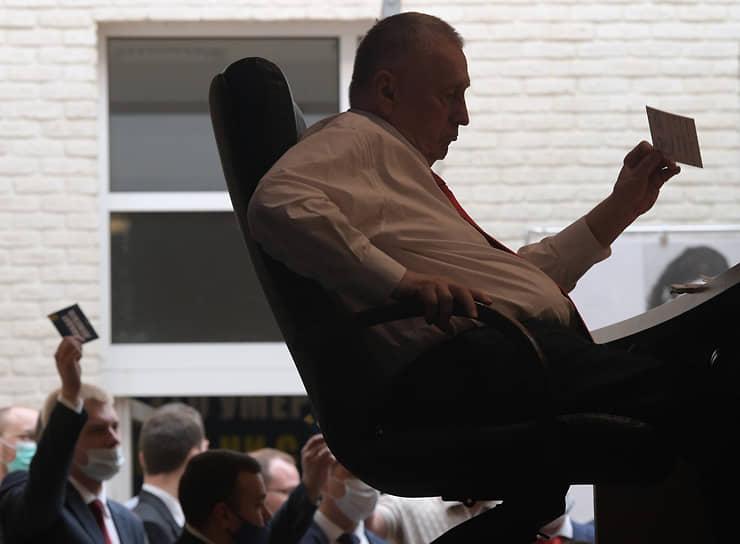 Москва. Лидер ЛДПР Владимир Жириновский во время съезда партии