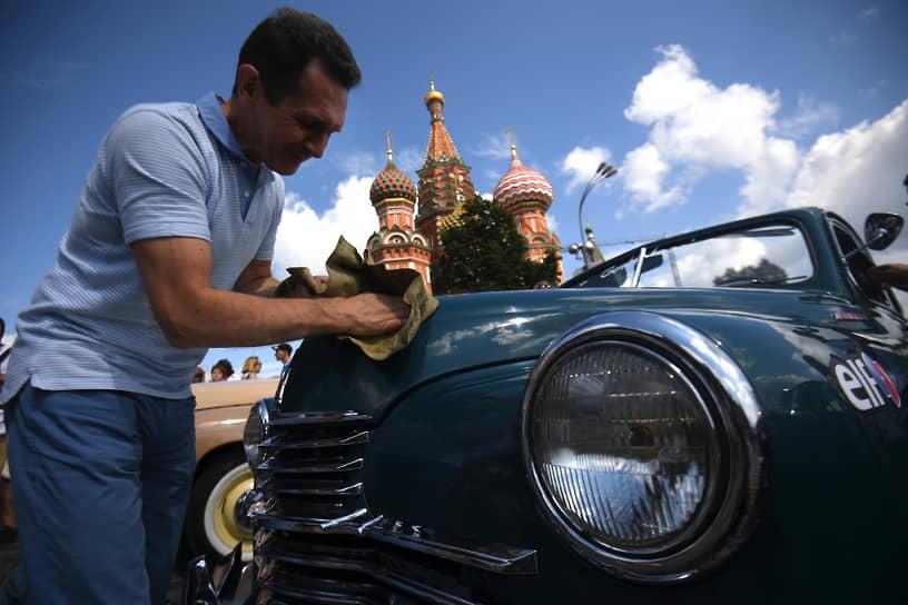 «Победа» первой из советских легковых автомобилей хорошо продавалась за рубежом. Ее экспортировали в Финляндию, Австрию, Бельгию и Великобританию
