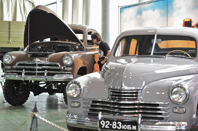 Модель стоила 16 тыс. руб. Для сравнения «Москвич-401» стоил 9 тыс. руб.