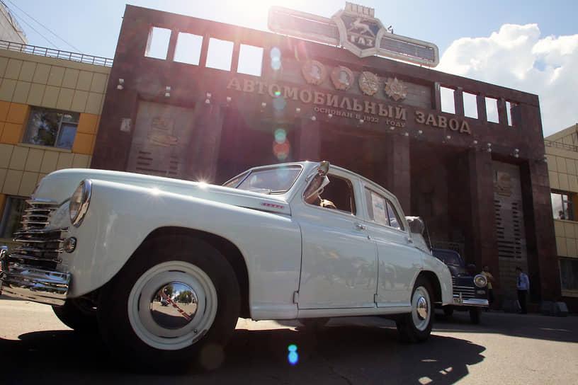 В 1955 году на базе «Победы» был также выпущен первый советский кабриолет. Была и полноприводная версия ГАЗ-М72 для бездорожья