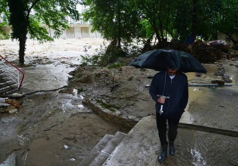 4-5 июля в Сочи из берегов вышли реки Адлерского, Хостинского и Лазаревского районов