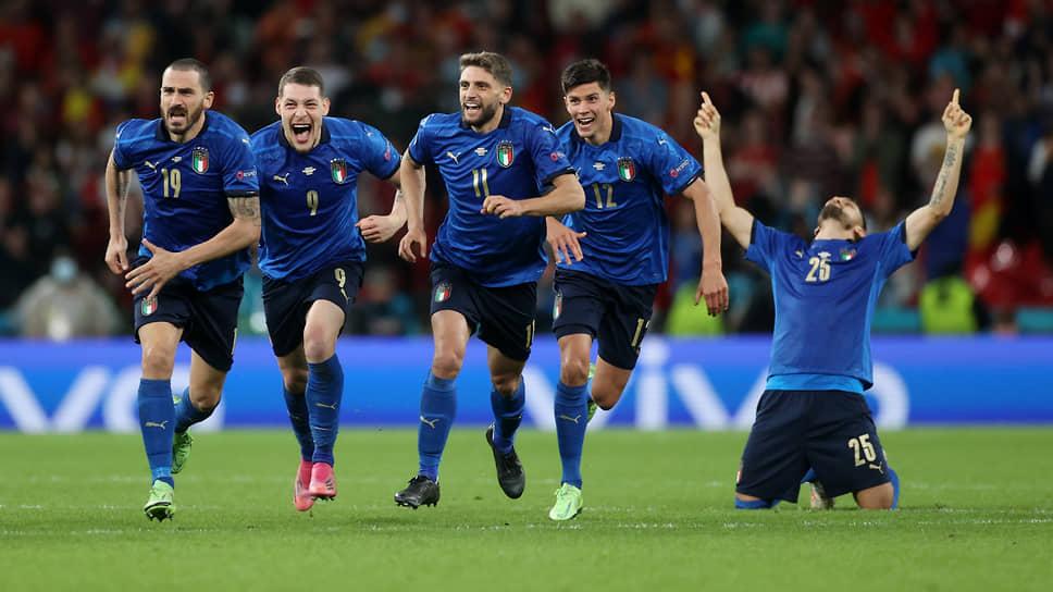 Матч между Италией и Испанией