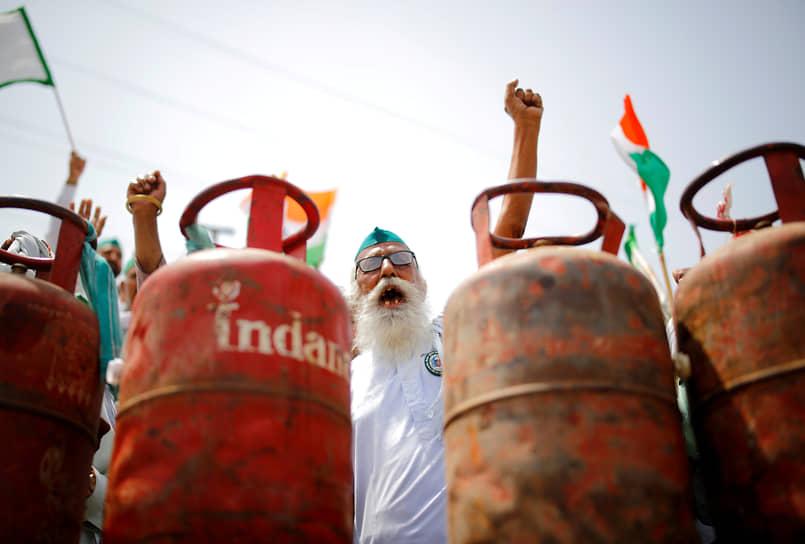 Газиабад, Индия. Акция протеста против роста цен на топливо
