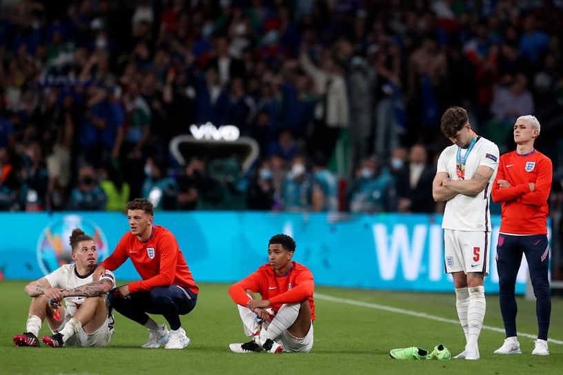 Сборная Англии получила серебряные медали чемпионата