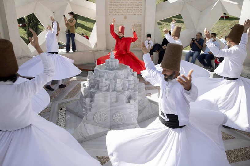Стамбул, Турция. Танец дервишей
