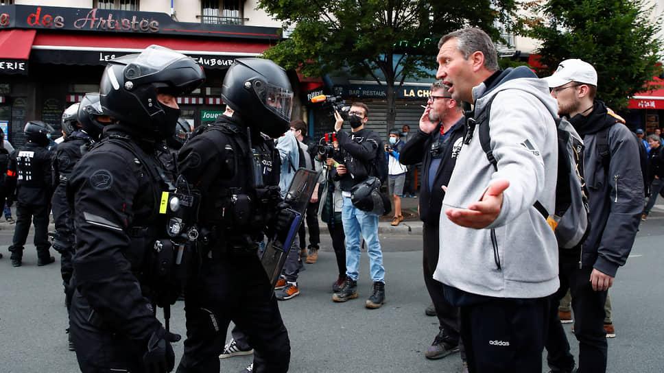 Демонстранты вышли на штурм санитарной Бастилии
