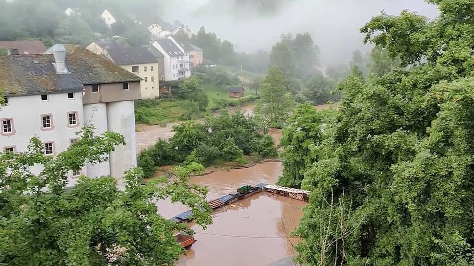 Сильнее всего от стихии пострадала Германия. По последним данным, в стране погибли 42 человека, еще около 70 пострадали