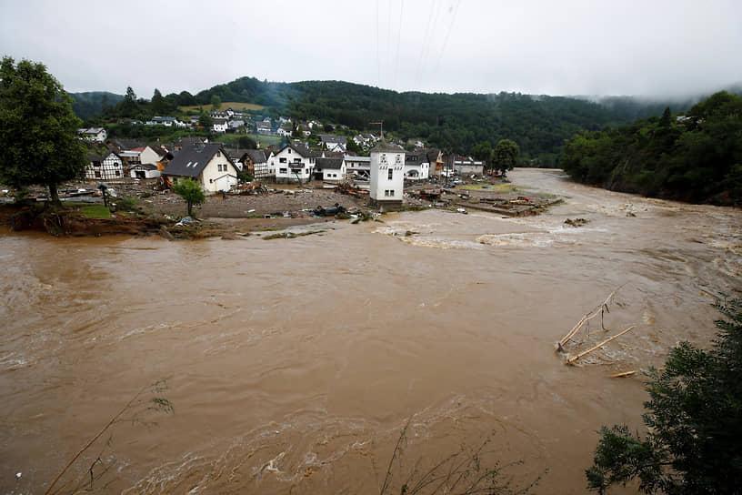 Больше всего от стихийного бедствия пострадали регионы Северный Рейн—Вестфалия и Рейнланд-Пфальц, находящиеся на западе страны