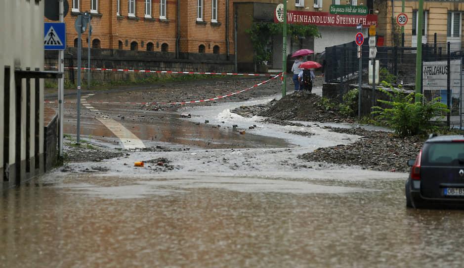Затопленная дорога в Германии