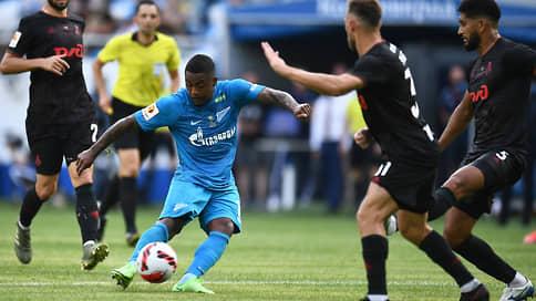 Зенит стартовал по-крупному // В первом матче нового футбольного сезона он выиграл Суперкубок, разгромив Локомотив