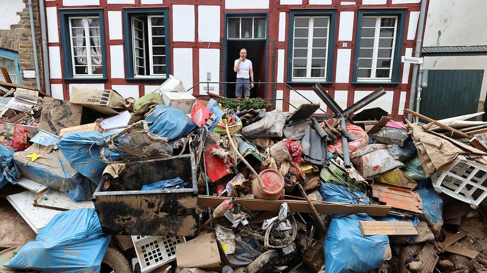 Бад-Мюнстерайфель, Германия. Последствия наводнения