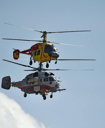 Вертолеты Ми-38Т и Ми-26Т2В во время показательных полетов