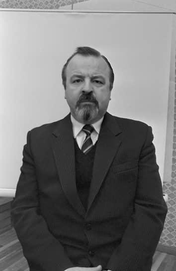 Лембит Аннус <br>Первый секретарь ЦК Компартии Эстонии (на платформе КПСС) <br>Вошел в состав Политбюро 31 января 1991 года <br>С августа 1991 года работал собственным корреспондентом газеты «Правда» в Эстонии. С 1993 по 1999 год был депутатом Таллинского городского собрания, членом Политисполкома Союза Коммунистических партий — Коммунистической партии Советского Союза. Впоследствии являлся также членом Конституционной партии Эстонии и Объединенной левой партии Эстонии. Умер 4 июля 2018 года