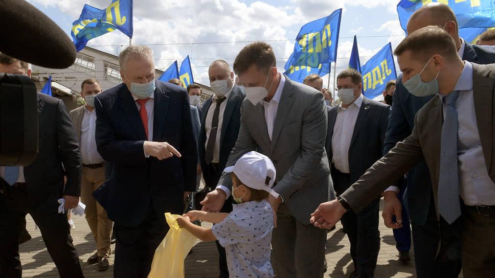Лидер ЛДПР Владимир Жириновский во время рабочей поездки во Владимир
