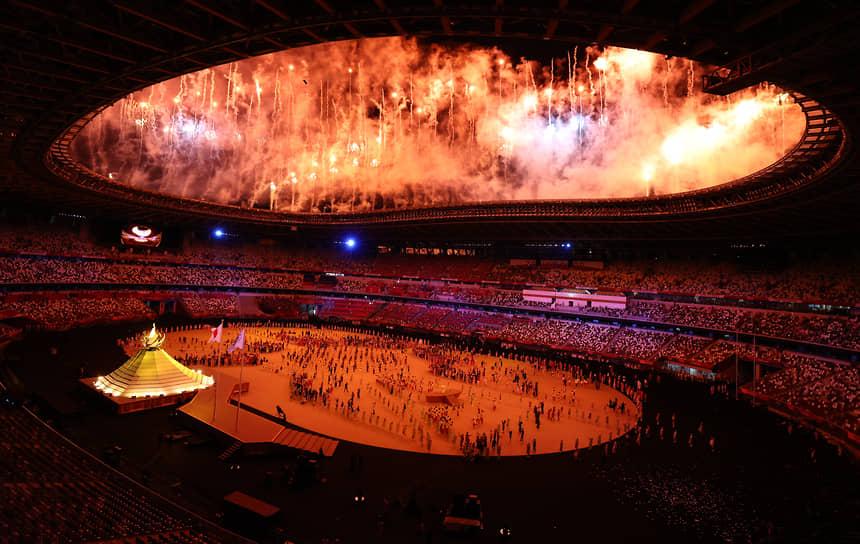 Олимпийский стадион во время церемонии открытия Игр