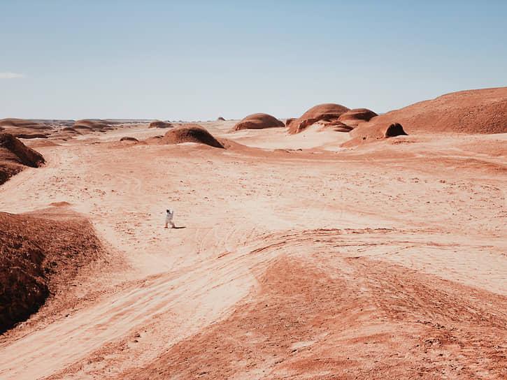 Дэн Лю, Китай. Прогулка по Марсу. 2-е место в номинации «Фотограф года»
