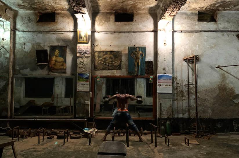 Махабуб Хосейн Хан, Бангладеш. Старый спортзал. 1-е место в номинации «Образ жизни»