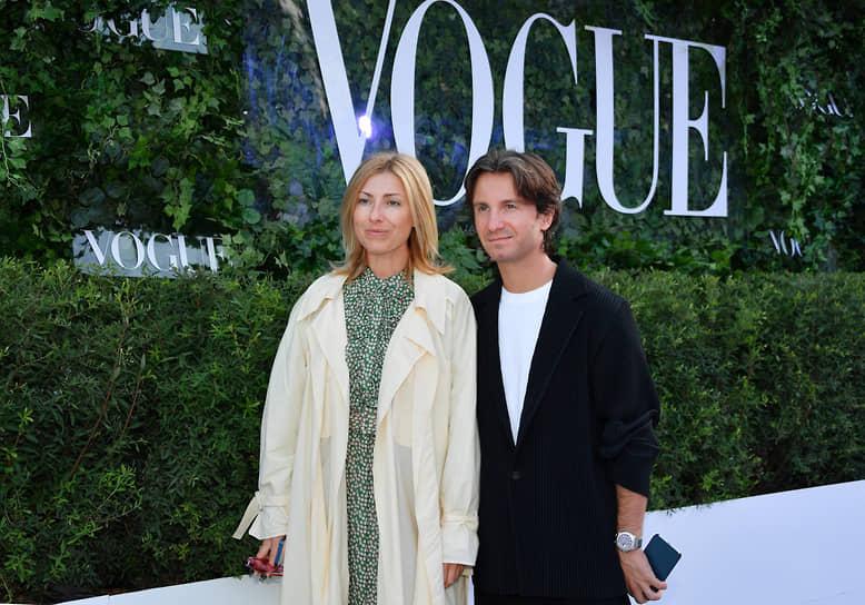 Продюсер Петр Ануров с супругой на коктейле Vogue Senses в парке «Лужники»