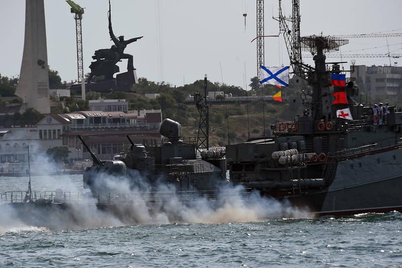 Практически все корабли Черноморского флота в последние годы бывали в дальних походах, выполняли задачи в Средиземном море