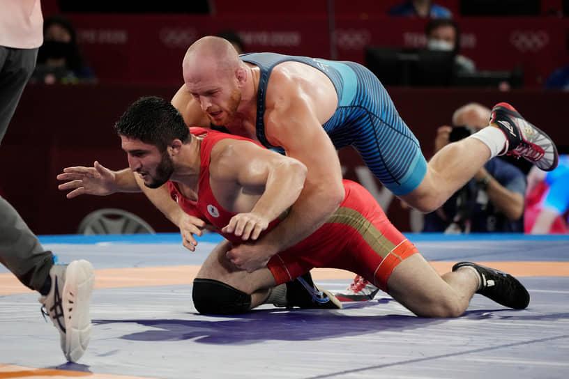 Золото. Абдулрашид Садулаев (слева), Вольная борьба, до 97 кг