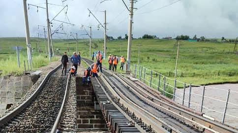 Транссиб входит в берега  / Глава РЖД и губернатор Забайкальского края проинспектируют работы по восстановлению инфраструктуры