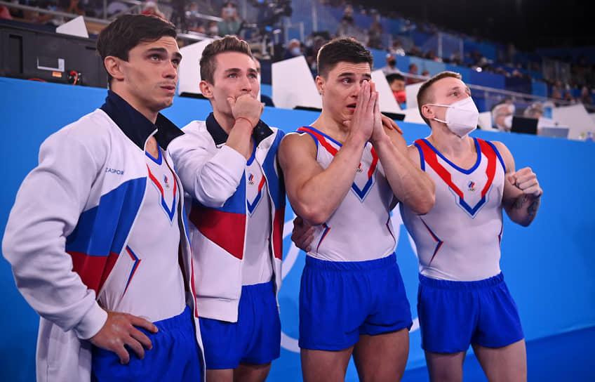 Золото. Слева направо: Артур Далалоян, Давид Белявский, Никита Нагорный, Денис Аблязин. Спортивная гимнастика