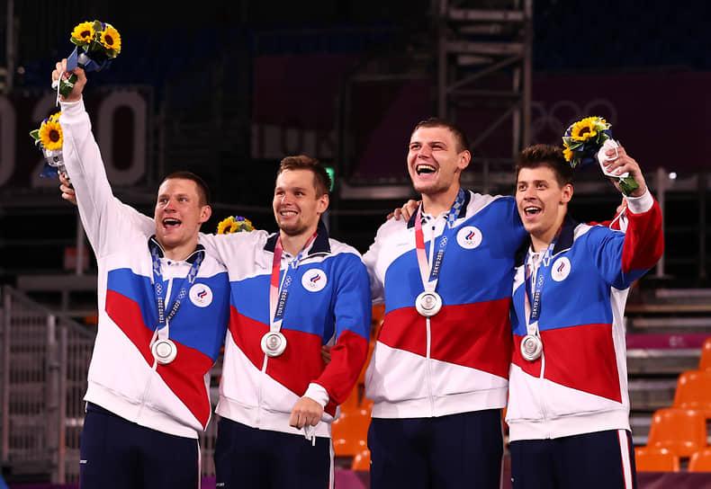 Серебро. Слева направо: Станислав Шаров, Александр Зуев, Илья Карпенков, Кирилл Писклов. Баскетбол 3х3