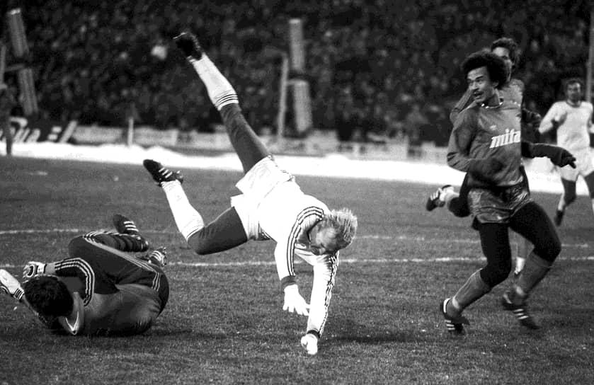 Со стадионом связан и самый трагичный момент в истории советского и российского спорта. 20 октября 1982 года во время матча московского «Спартака» против голландского «Хаарлема» на трибунах началась давка. В ней пострадали сотни людей, 66 человек погибли