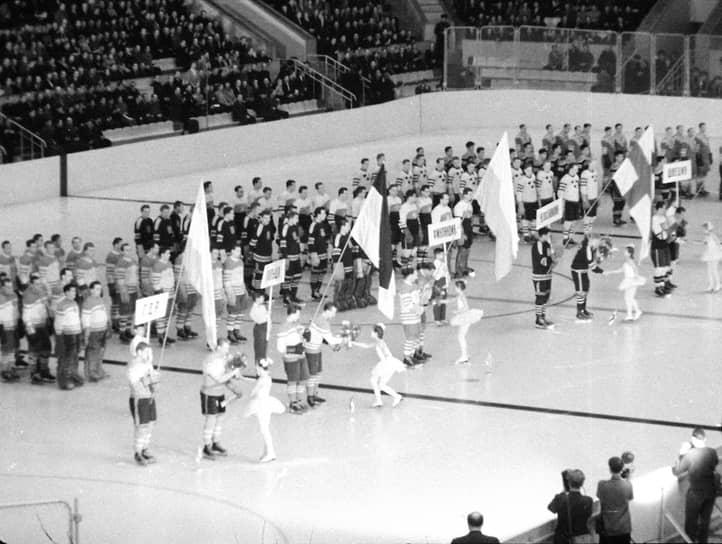 Чемпионат мира по хоккею с шайбой 1957 года можно считать первым заметным мировым событием на Большой спортивной арене «Лужников»