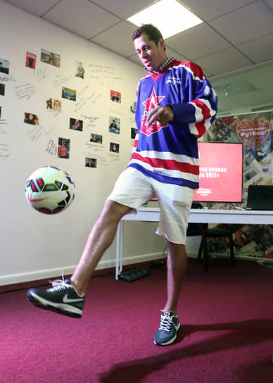 Хоккеист женат на телеведущей Анне Кастеровой, 31 мая 2016 года у них родился сын Никита