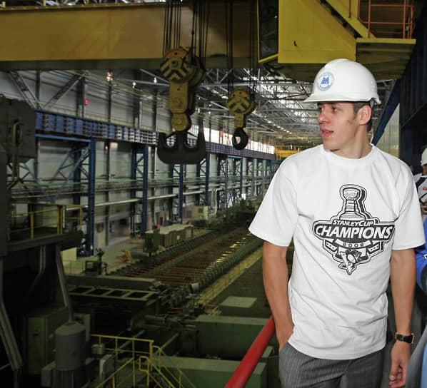 До 2006 года продолжал выступать за «Металлург». Получил приз «Золотой шлем» как лучший центральный нападающий в сезоне 2005/2006