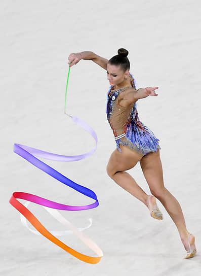 <b>Екатерина Веденеева, художественная гимнастика</b> <br>С 2018 года выступает за Словению. Спортсменка дважды выигрывала серебро и бронзу на Кубках России. Выступая за Словению, стала бронзовым призером в упражнениях с лентой на Кубке мира 2019 года в Ташкенте