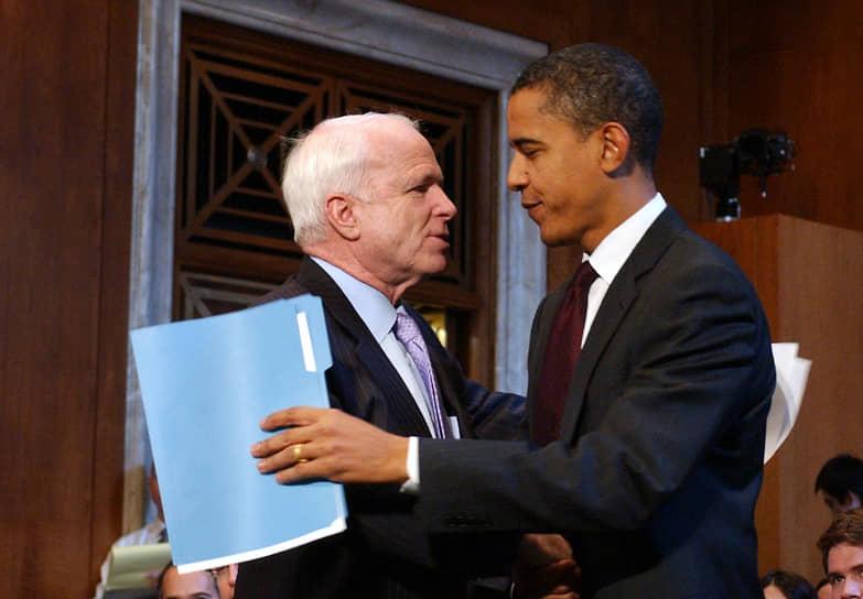 «Недавно Маккейн назвал меня социалистом за то, что я хочу отменить сокращения налогов, введенные Бушем для богатейших американцев. К концу недели он будет обвинять меня в том, что я являюсь тайным коммунистом, потому что в детском саду я делился игрушками» <br>4 ноября 2008 года Барак Обама выиграл выборы у сенатора Джона Маккейна (на фото слева), набрав 52,9% голосов против 45,7%