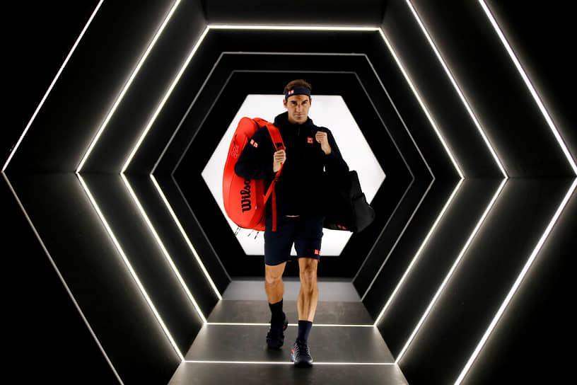 Федерер много лет входил в число самых высокооплачиваемых спортсменов мира по версии Forbes, а в 2020 году возглавил этот список, заработав за год $106,3 млн