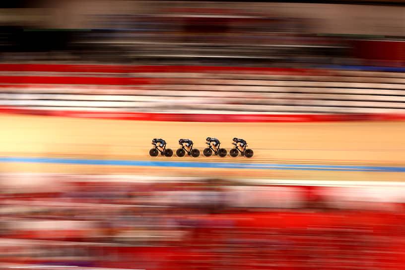 Сидзуока, Япония. Велогонщики на Олимпиаде