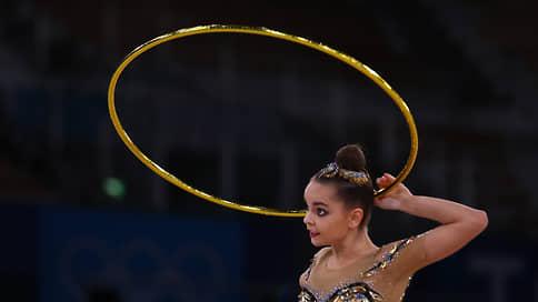Обруч в руки // Дина и Арина Аверины подтвердили лидерство в квалификации многоборья в художественной гимнастике