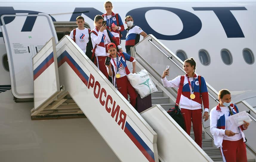 Последний самолет с российскими олимпийцами приземлился в московском аэропорту Внуково в 15:51 мск