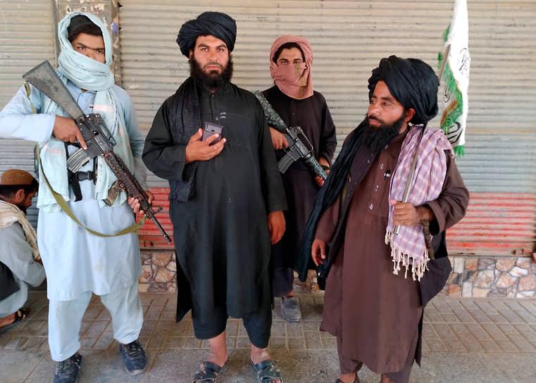 Фарах, Афганистан. Талибы патрулируют город