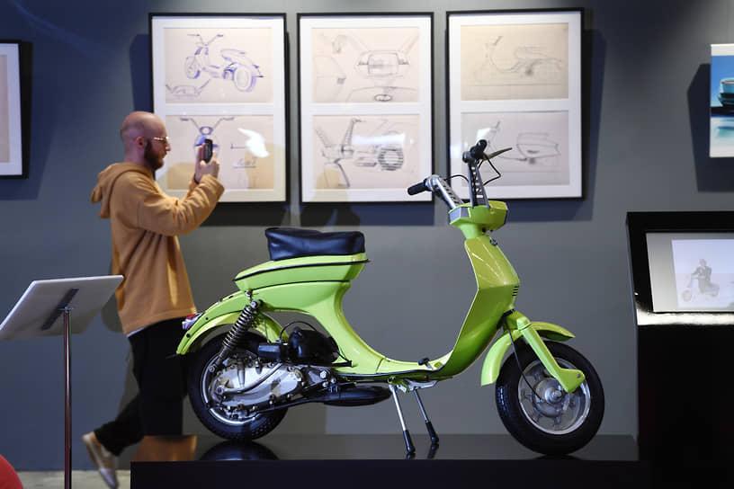 Innocenti Lambretta Lui был создан в 1968 году и демонстрировал, как должно было выглядеть скутер для молодежи в новую эру