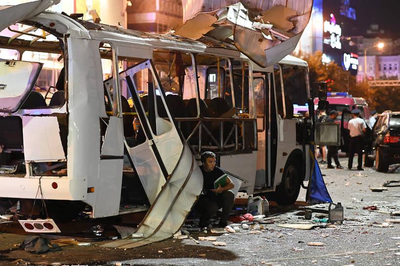 Воронеж. Последствия взрыва в пассажирском автобусе ПАЗ