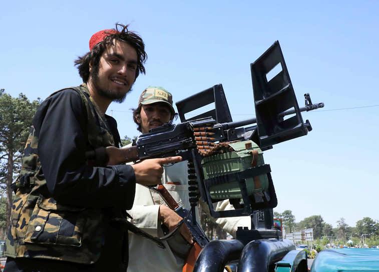 Талибы не стали штурмовать Кабул, предложив мирный переход власти