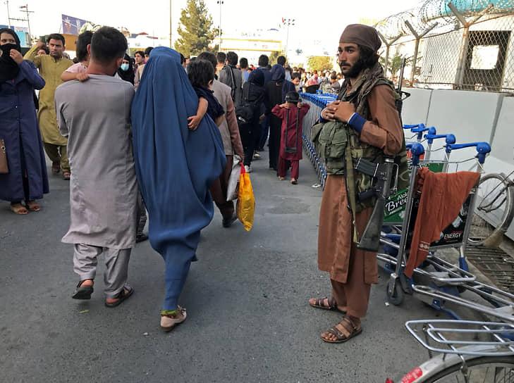 Для предотвращения беспорядков власти Афганистана ввели комендантский час