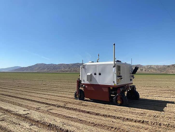 Робот для прополки полей фирмы Carbon Robotics