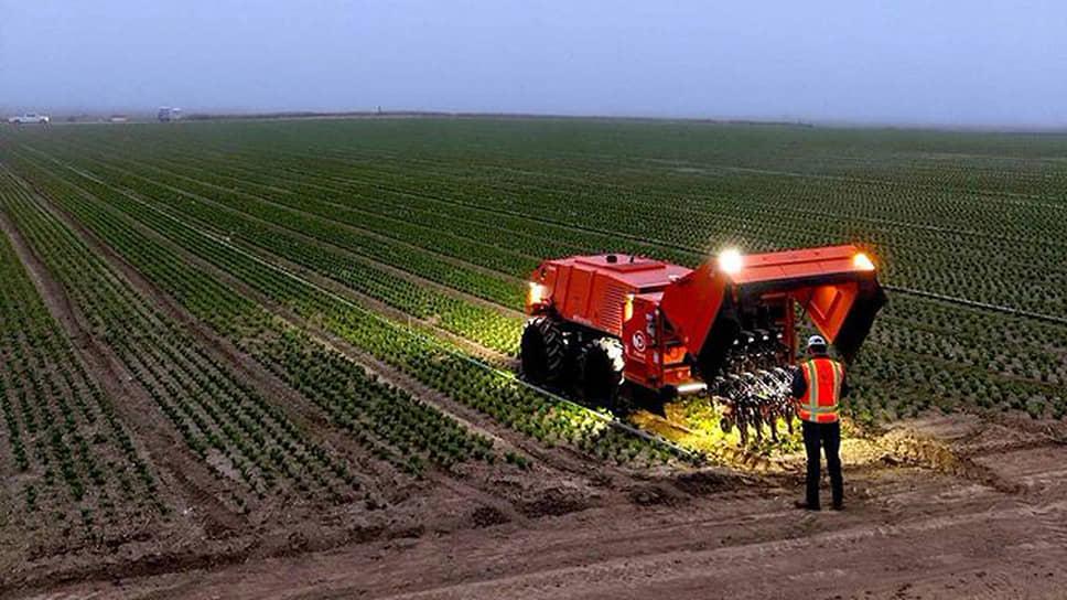 Робот для прополки полей фирмы FarmWise
