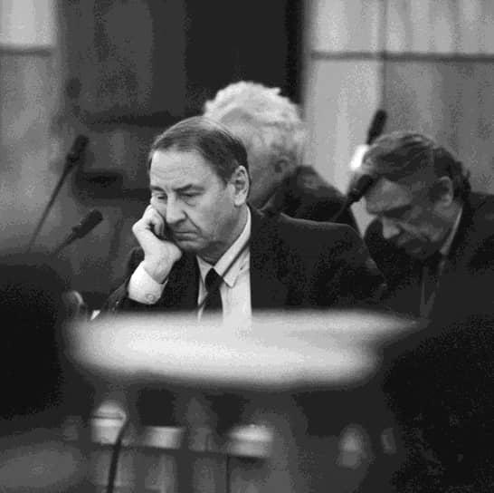 Первый зампред Совета обороны СССР Олег Бакланов на судебном заседании по делу ГКЧП 12 октября 1993 года