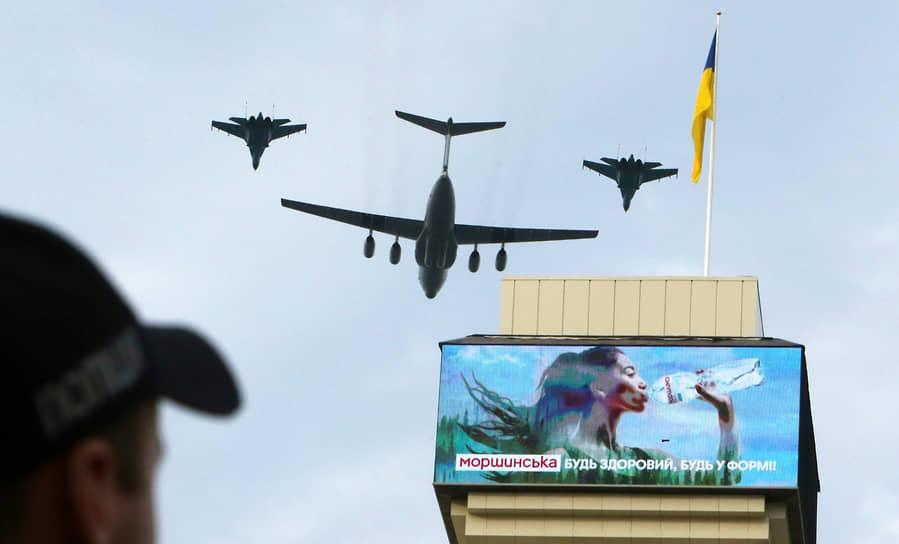 Киев, Украина. Первая репетиция парада войск, посвященного 30-ой годовщине независимости республики