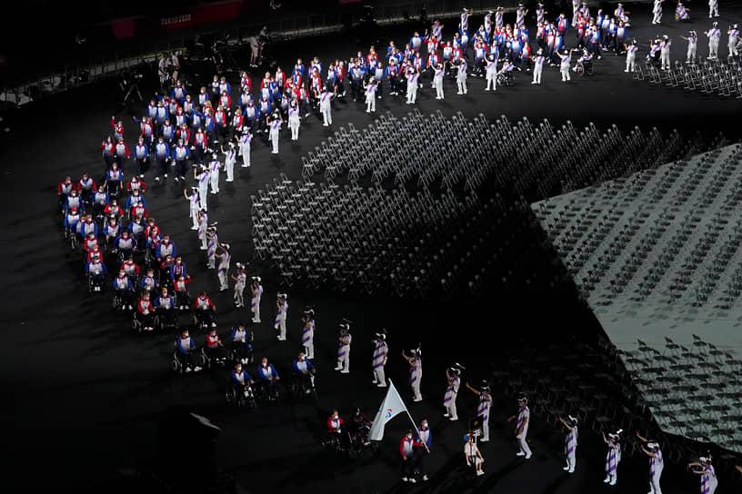 В церемонии открытия приняли участие 183 сборные, включая команду Паралимпийского комитета России. Знаменосцами российской сборной были десятикратный чемпион мира Андрей Вдовин и двукратная чемпионка Паралимпиады Елена Паутова